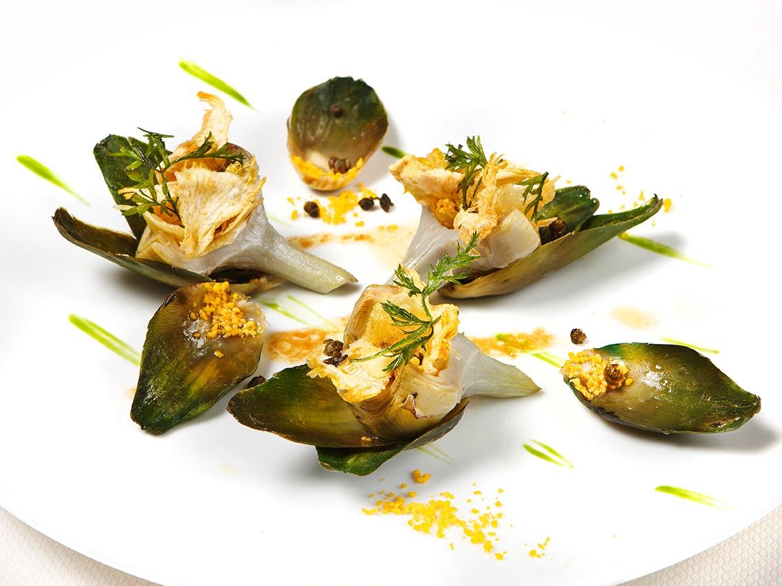 Creation culinaire Eric Frechon, chef executif Le Bristol Paris, 3 etoiles au guide Michelin, MOF, Artichaut Poivrade, ©Alban Couturier