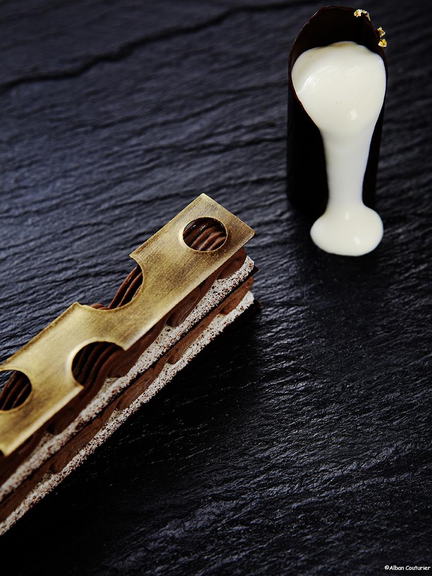 Sorbet chocolat et sa fontaine de choclat Blanc, creation de Francois Perret, epoque Shangri-la Paris, ©Alban Couturier