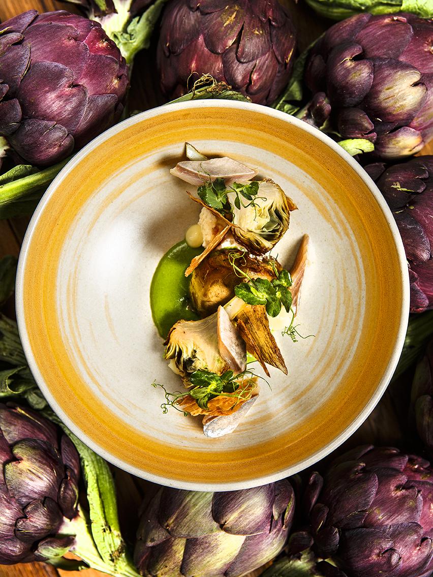Artichauts poivrades, harengs fumés, oseille et ricotta, Chef Simon Horwitz ©Alban Couturier