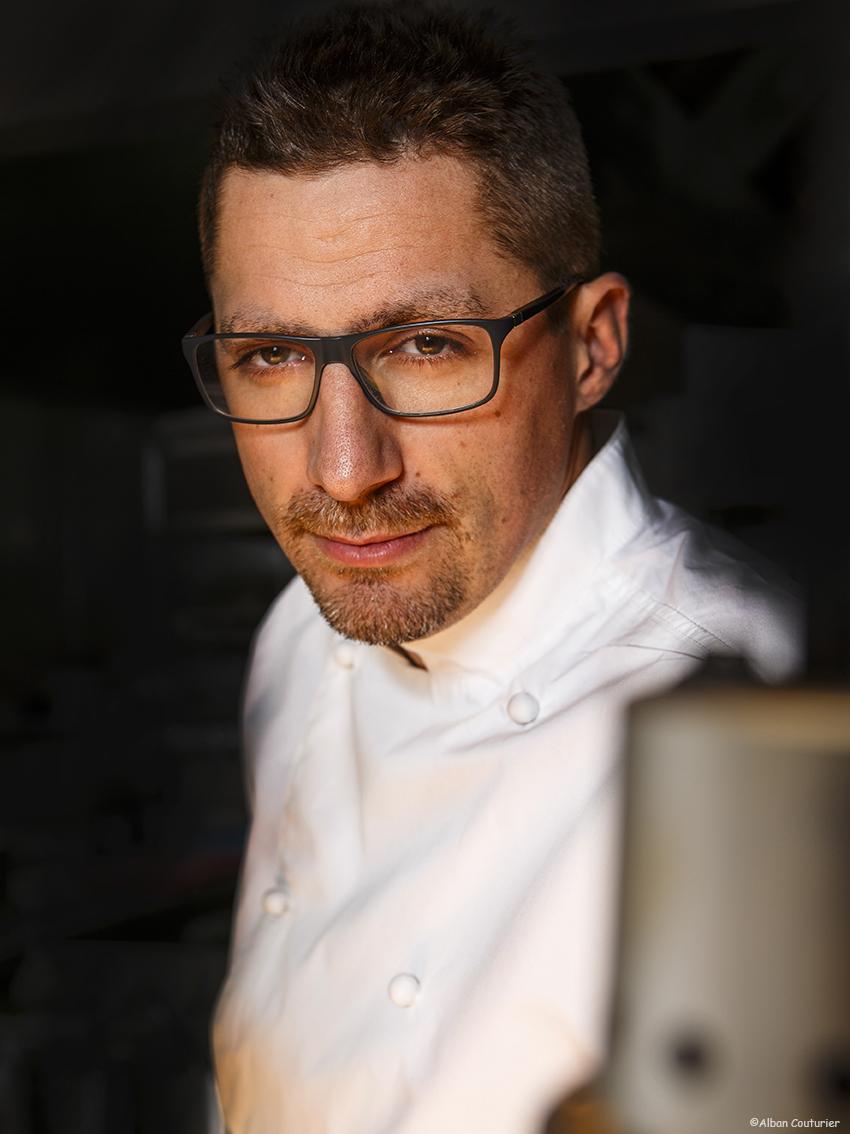 Portrait du chef et ami Julien Roucheteau, restaurant la Scene Theleme, Paris, 1 etoile au guide Michelin, ©Alban Couturier