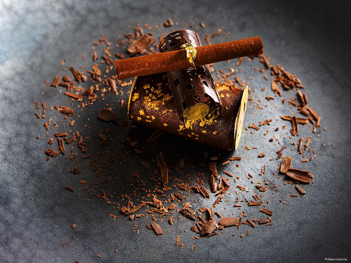 Douceur au chocolat, Hugo Correia pour julien Roucheteau, epoque la table du Lancaster©Alban Couturier