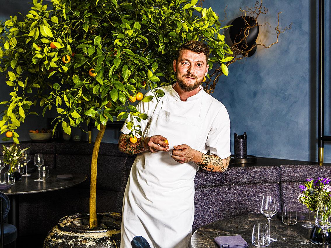 Portrait pour le magazine Le Point, Andreas Moller, chef , 1 etoile au guide Michelin; restaurant Copenhague, Maison du Danemark, Paris 8, ©Alban Couturier