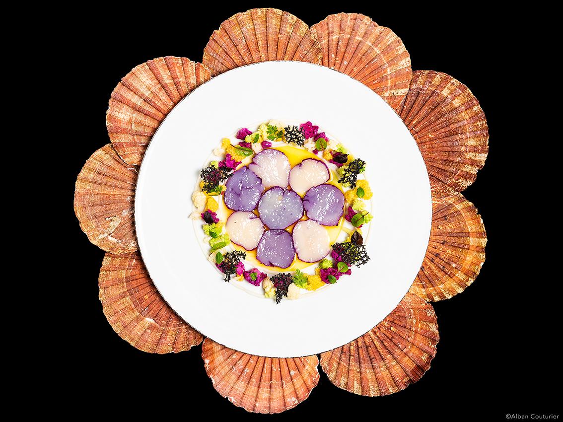 Recette gourmande, la Saint-Jacques, chef sebastien Giroud, restaurant Monsieur, Le Lancaster, Paris, ©Alban Couturier