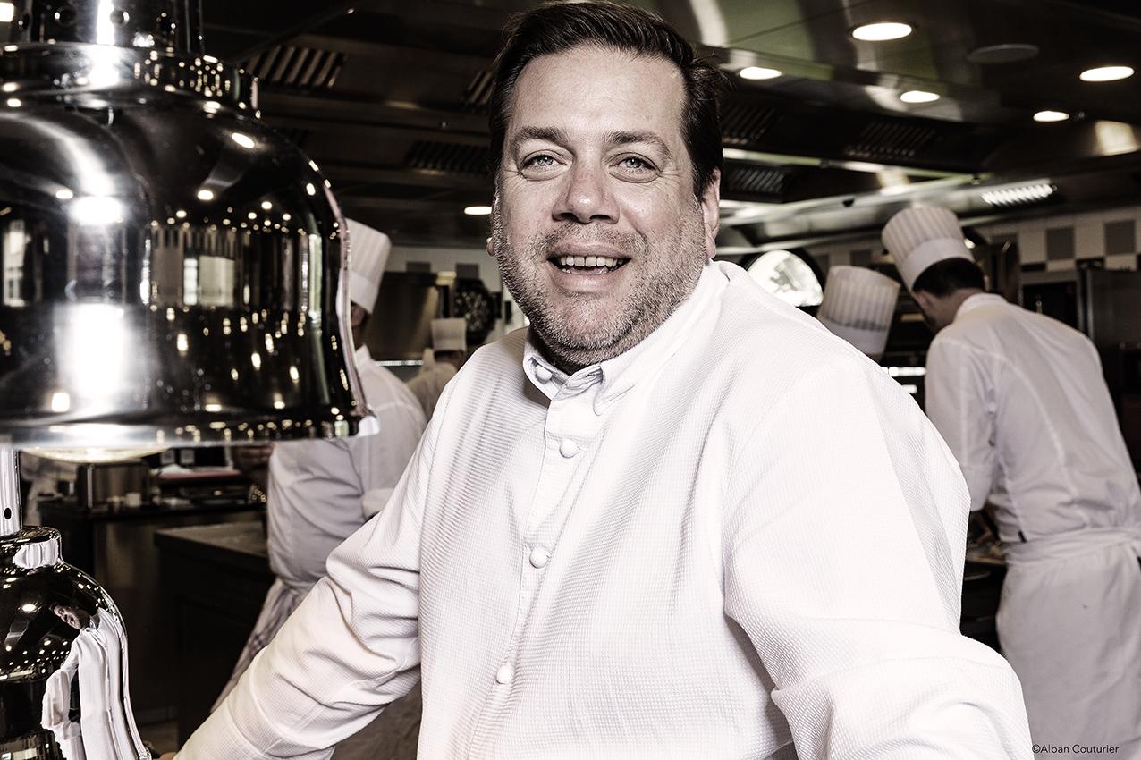 En Cuisine, portrait du chef etoile, Arnaud Lallement, 3 etoiles au guide Michelin, l'Assiette Champenoise ©Alban Couturier