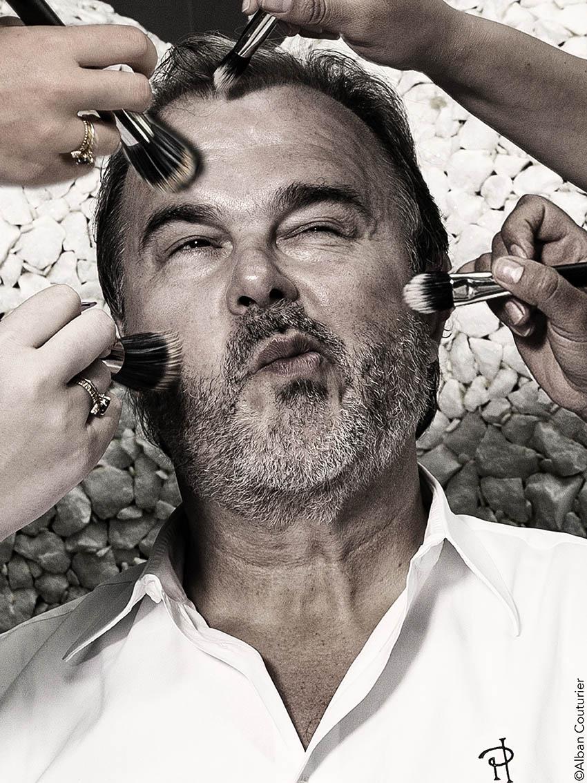 Portrait du chef Patissier Pierre Herme, Quand le maitre passe au maquillage ©Alban Couturier