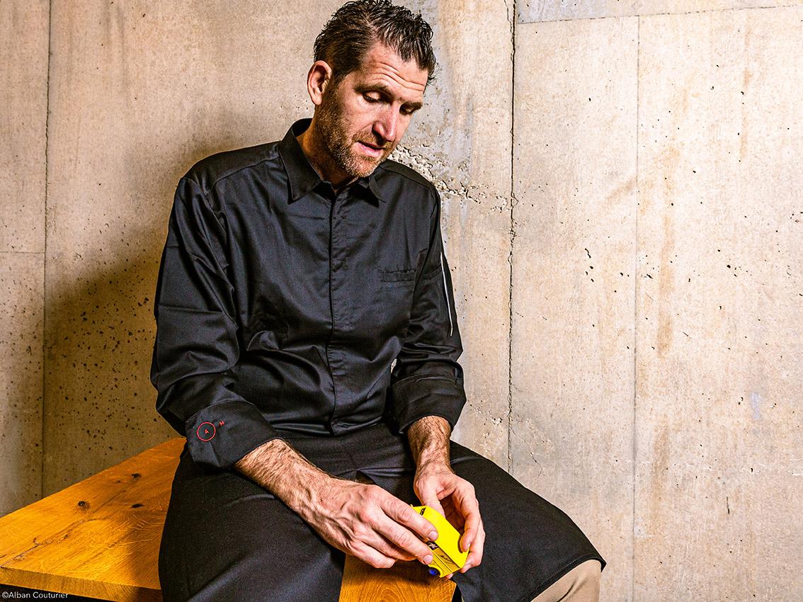 Portrait du chef et Ami Alexandre Mazzia, restaurant A.M, Marseille , 2 etoiles au guide Michelin ©Alban Couturier