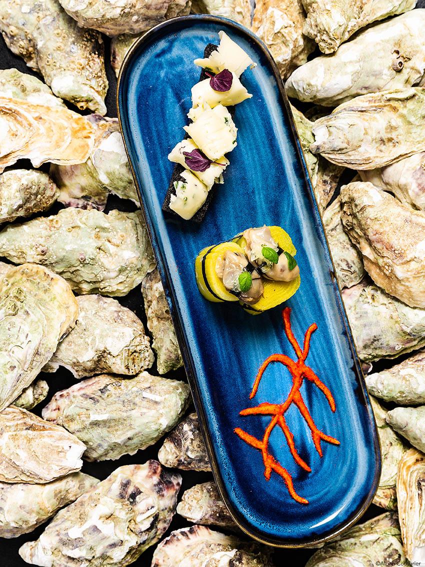 Recette gourmande, Huitres pochees et poireaux, chef Sebastien Giroud, restaurant Monsieur, Le Lancaster, Paris, ©Alban Couturier