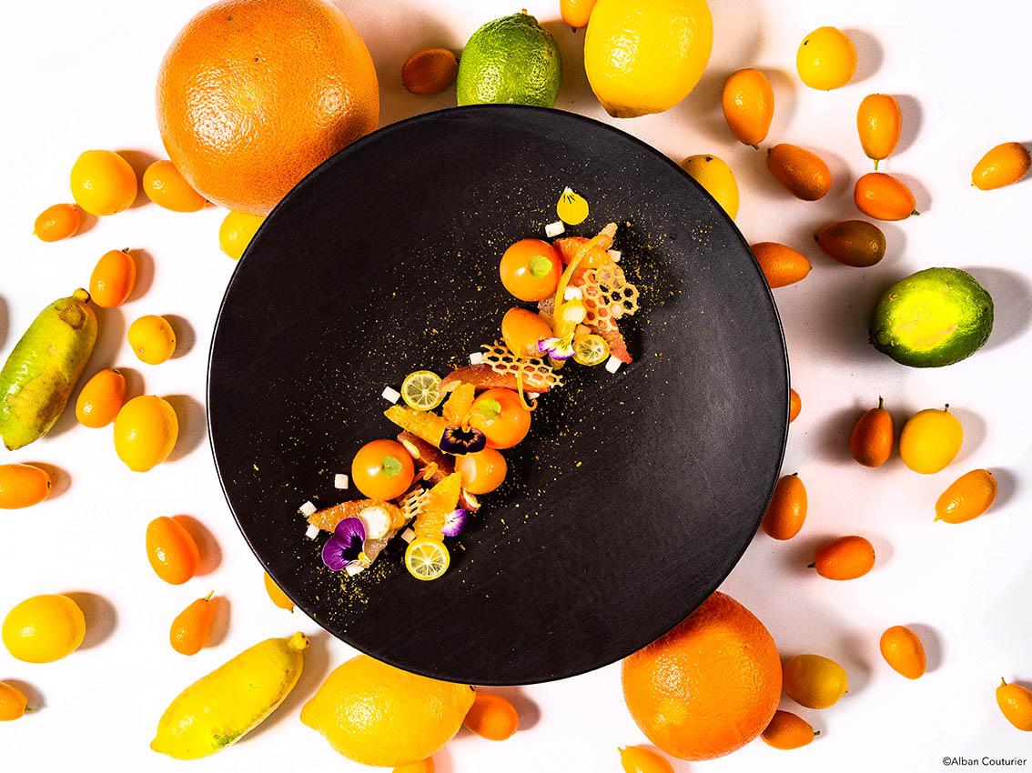 Dessert rafraichissant, Kumkwat et agrumes, chef gregory Rejou,Le Restaurant au sein de l'Hotel, rue des beaux arts, Paris ©Alban Couturier