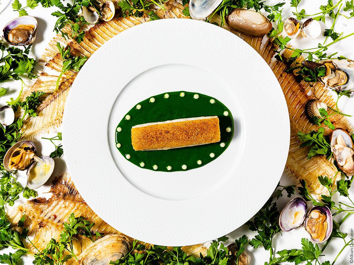 Sole meuniere chlorophylle de persil, puree de pommes de terre, recette du chef et ami Irwin Durand, chef 1 etoile au guide Michelin, restaurant le Chiberta Paris ©Alban Couturier