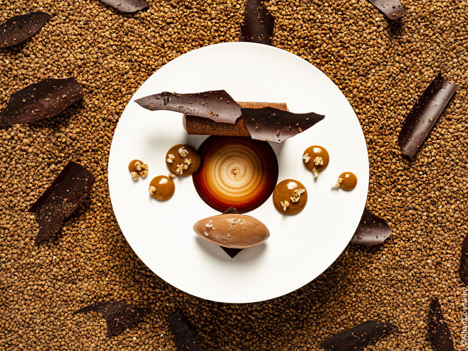 Texture de chocolat Morant Bay aux saveurs de sarrasin, chef pâtissier Aurelien Bodennec sous le regard affuté du chef et Ami Nicolas Carro, Hotel de Carantec, 1 etoile au guide Michelin, Carantec.